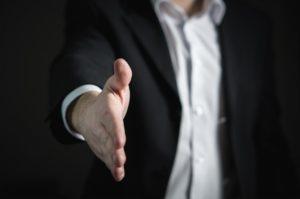 honlapkészítő szakember üzleti partnert keres érden